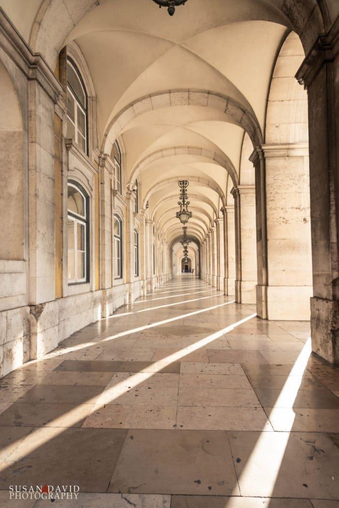 Praça do Comércio tunnel